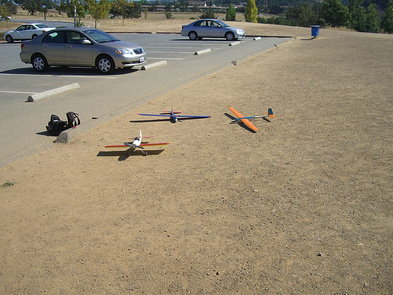 File:Model airplanes - panoramio.jpg