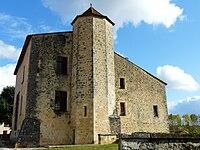Montbron vieux château (10).JPG