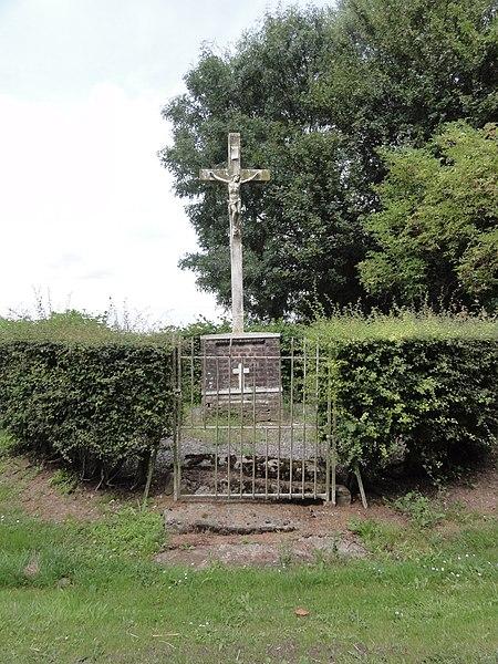 Montigny-en-Arrouaise (Aisne) croix de chemin