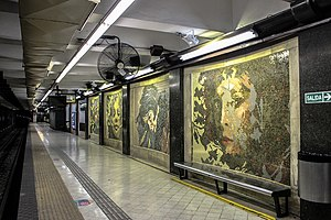 Callao (Line D Buenos Aires Underground) - Image: Murals at Callao station 1