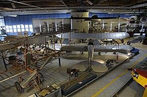 Museo dell'Aeronautica Gianni Caproni main hall (1).JPG