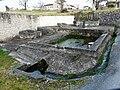 Négrondes fontaine-lavoir (2).JPG