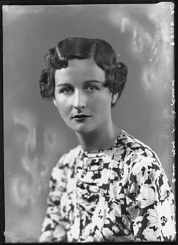 Nancy-Mitford1.jpg