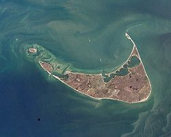 http://upload.wikimedia.org/wikipedia/commons/thumb/a/a4/Nantucket_NASA_2002.jpg/250px-Nantucket_NASA_2002.jpg