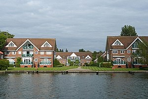 Bourne End, Buckinghamshire - Image: New apartments at Bourne End geograph.org.uk 948318