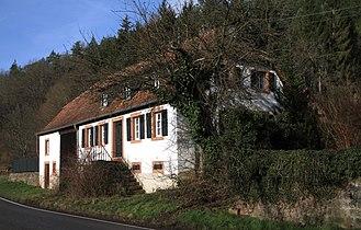 Niederschlettenbach - House of the foster