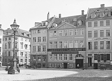 The building on 14 august 1908 Nytorv 17 - 14 August 1908.jpg