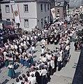 Optocht in de straten van Kröv, Bestanddeelnr 254-6095.jpg