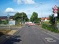 Osthofen- Bahnübergang des Ziegelhüttenweges- Richtung Ost (B 9) 22.7.2008.jpg