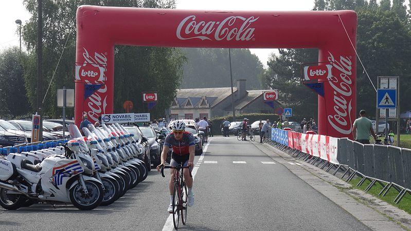 Péronnes-lez-Antoing (Antoing) - Tour de Wallonie, étape 2, 27 juillet 2014, départ (B47).JPG