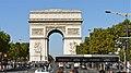 P1080957 France, Paris, l'avenue des Champs-Élysées et l'Arc de Triomphe, vus d'un bus de l'Open Tour (5629172551).jpg