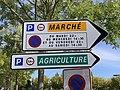 Panneaux Direction Parkings Marché Agriculture Bourg Bresse 2.jpg