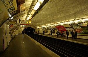 Jaurès (Paris Métro) - Image: Paris Metro Jaurès 002