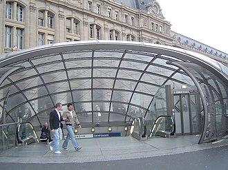Saint-Lazare (Paris Métro) - Image: Paris metro 3 st lazare entrance