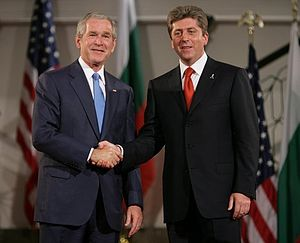 Georgi Parvanov - President George W. Bush and President Georgi Parvanov shake hands, 11 June 2007, in Sofia, Bulgaria.