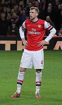 Per Mertesacker 2014 v Palace.jpg
