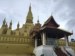 Pha That Luang 6.jpg