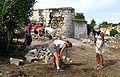 Picquigny (29 juillet 2009) débroussaillage et maçonnerie 1.jpg