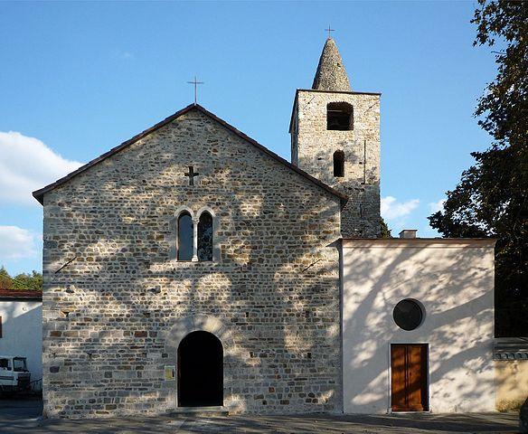 File pieve san venerio a la spezia migliarina facciata for Marletto arredamenti la spezia