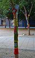 Plaça d'Hondures, yarn bombing.JPG