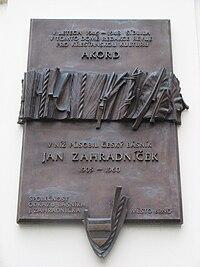 Plaketa (Jan Zahradníček a Akord).JPG