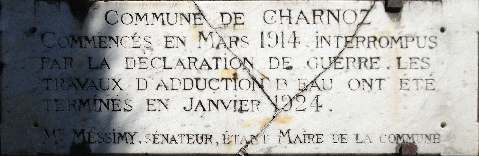 Plaque à Charnoz-sur-Ain à proximité immédiate de l'église de l'Assomption de Charnoz-sur-Ain