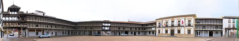 Vista panorámica de la plaza mayor de Tembleque.