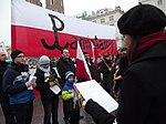 Początek marszu na Rynku Głównym (8721301778).jpg