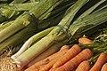 Poireaux et carottes cliché Jean Weber (23381695200).jpg