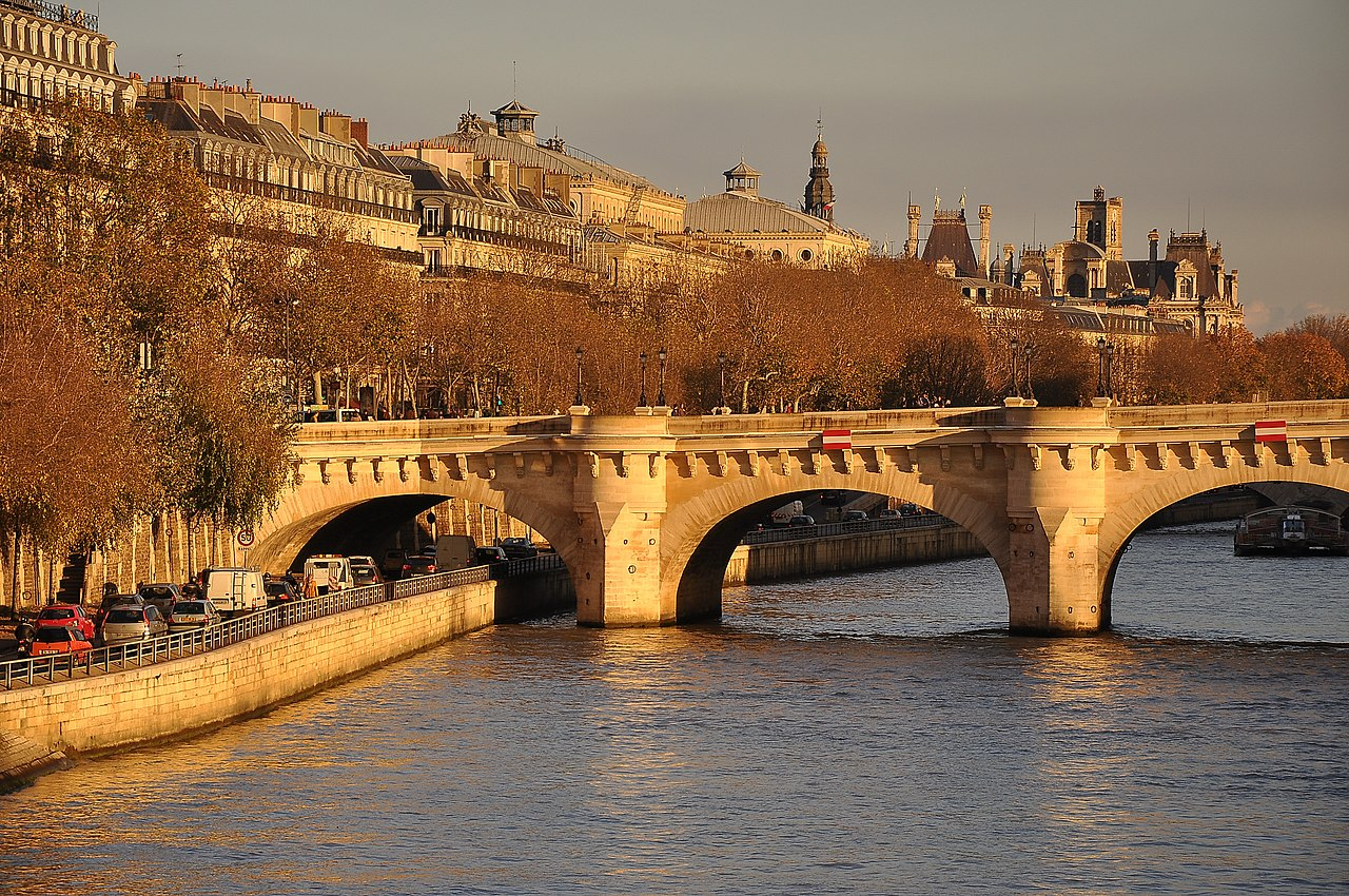 File:Pont Neuf, Paris 1er 003.JPG - Wikimedia Commons