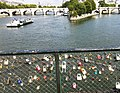 Pont des Arts with lover's padlocks, looking towards Ile de la Cite, Paris - panoramio.jpg