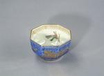 Porslin. Kantig skål. Blå dekor - Hallwylska museet - 89091.tif