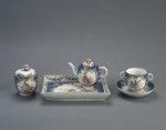 Porslin. Servis från mitten 1700. Blå och guldig dekor - Hallwylska museet - 89176.tif