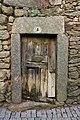 Porta tradicional em Bemposta.jpg
