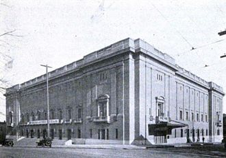 Keller Auditorium - The building's original appearance, before its extensive 1967–68 remodeling. The Third Street (now Third Avenue) façade is on the left.