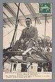 Portret van Bertram Dickson op het vliegtuig van Henri Farman Capitaine Dickson, sur biplan H. Farman 10 m. d'envergure moteur Gnome de 50 HP (titel op object), RP-F-F21264.jpg