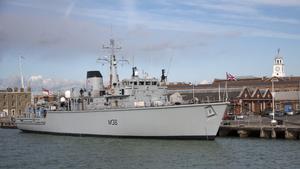Portsmouth HMS Atherstone (M38) 18-10-2011 15-10-52