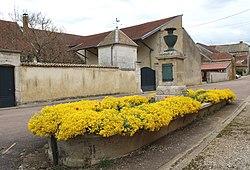 Prez-sous-Lafauche Vieille fontaine.jpg