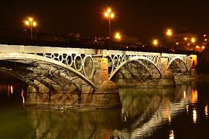 Puente de Triana iluminado