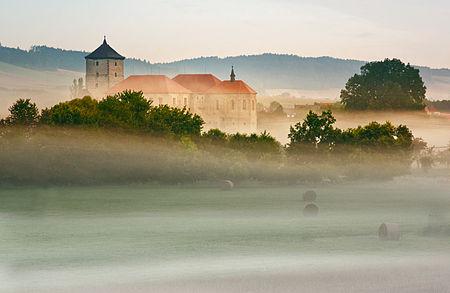 Ráno u hradu Švihov