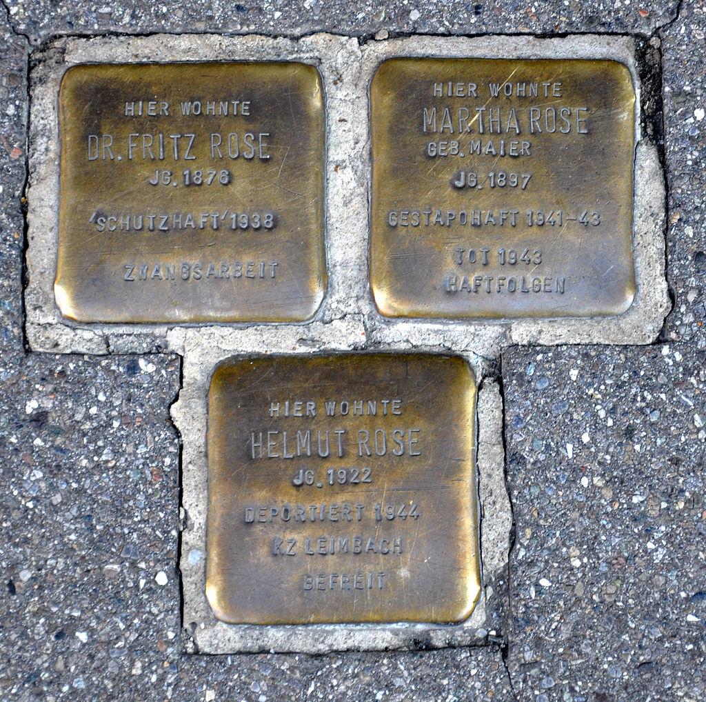 Ravensburg Gespinstmarkt27 Stolpersteine Rose Familie.jpg