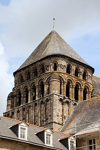 Redon Abbey - Romanesque tower (2009)