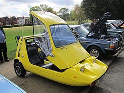 Reliant Bond Bug at the 2011 Birkenhead Park Festival of Transport.jpg