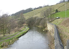 Rochdale Canal at Brearley - geograph.org.uk - 6838.jpg