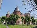 Rocquigny (Ardennes) Église fortifiée.JPG