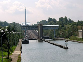 Canal inclined plane - Image: Ronquières JPG01