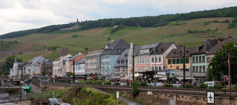 File:Ruedesheim am Rhein 2.jpg