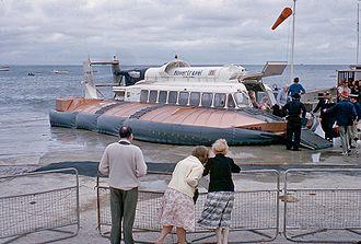 SR.N6 - An SR.N6 at Ryde Pier, Isle of Wight, 1965