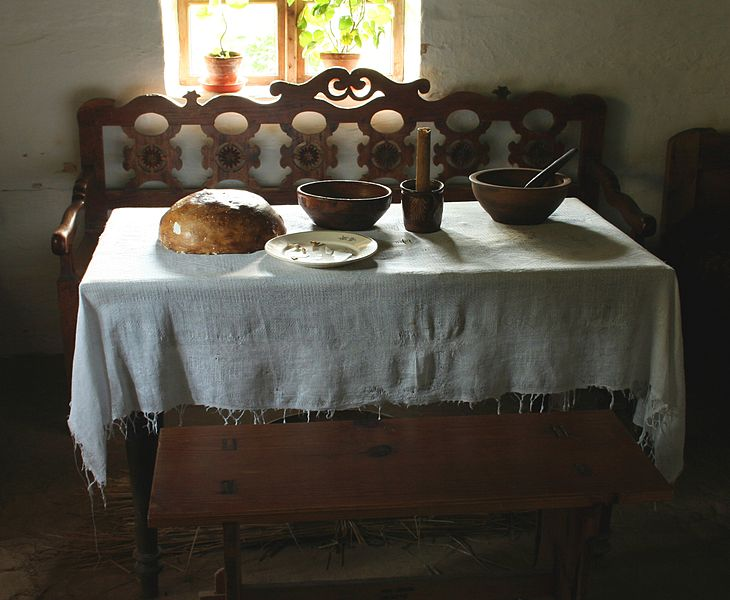 Plik:SMBL stol wigilijny Dabrowka p.jpg