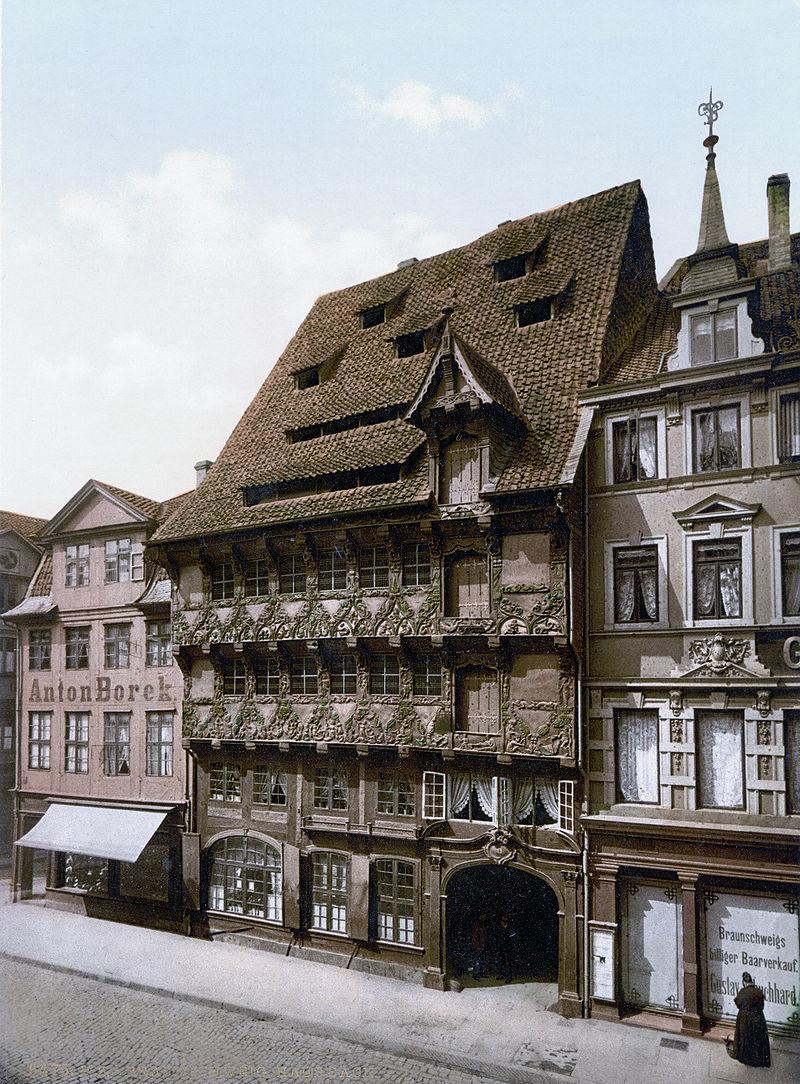 800px-Sack_House_Braunschweig.jpeg